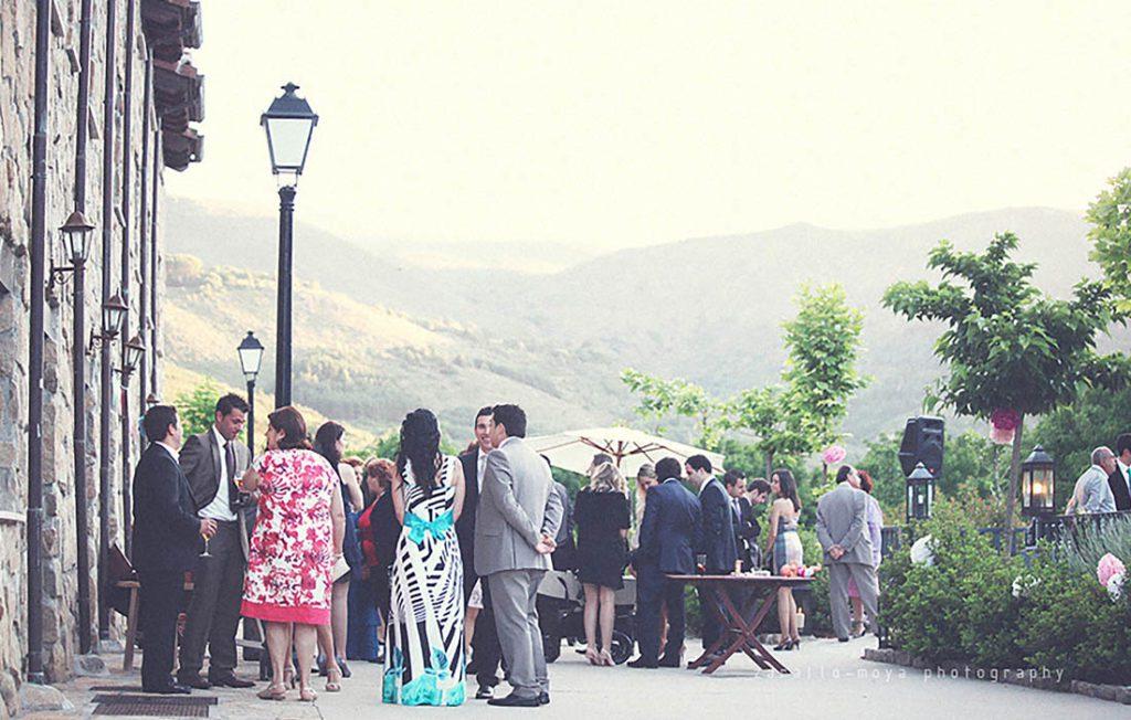 Invitados en una de las boda celebradas en Ribera del Corneja