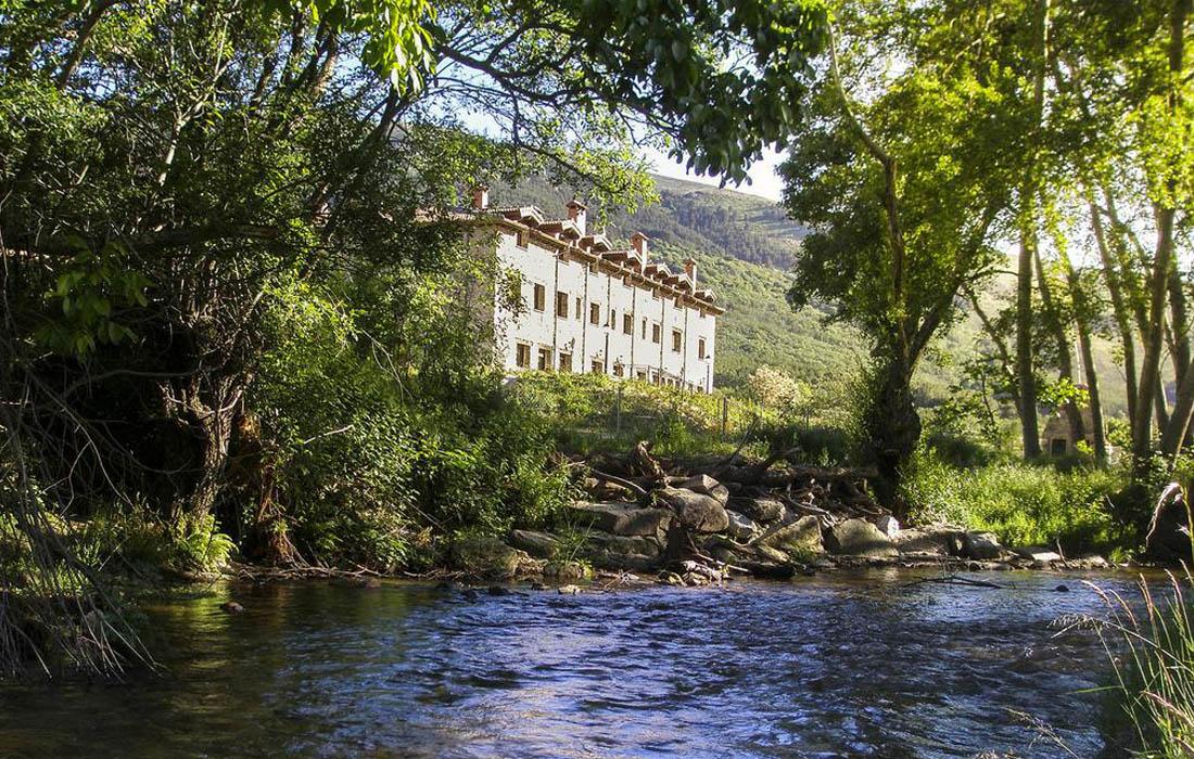 Hotel Rural Ribera del Corneja junto al río Corneja
