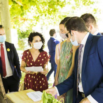 Celebración de boda en el hotel rural Ribera del Corneja con mascarilla