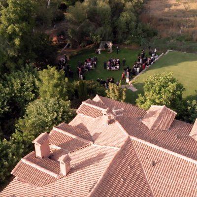 Fotografía aérea de boda en hotel Rural Ribera del Corneja en Ávila