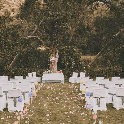Alta de boda en plena naturaleza