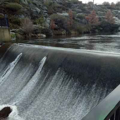 Zona de baños y el río Corneja