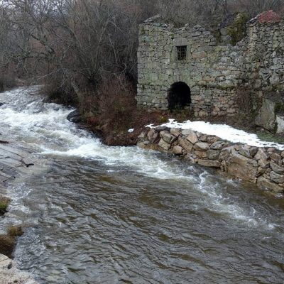 Zona de baños en el río Corneja